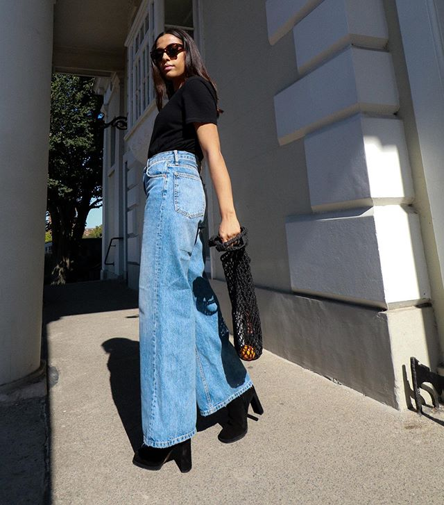 Really over skinny jeans. Like really, really. So here's how I'm styling the cut I love: The Wide Leg. NEW BLOG POST. Link in bio people. AMIRAHASAN.COM. Sh by @thoualone • • • • • • #ootd #ootdfashion #londonfashionblogger #londonblogger #styleblogger #styleblogger #bloggerstyle #igstyle #londonstreetstyle #anotheroutfitpost #widelegjeans #denim #style #ukbloggers #wentoutlikethis #streetstyle_daily #streetstyledaily #outfitinspo #wiwt #whatiwore