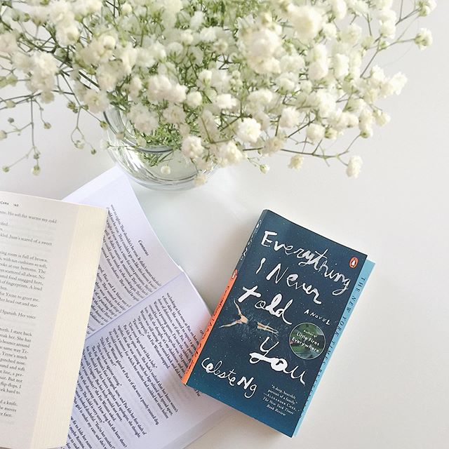 Happy Monday everyone! Where did the weekend go? 😦I feel really lucky that at work there are a lot of fellow book lovers always up for a chat about what they're reading. For the summer, one of my colleagues even organizes a book club and this time she choose: Everything I Never Told You by Celeste Ng which follows the Lee family in the aftermath of the death of their favorite child Lydia, as well as flashbacks to events leading up to her sudden death. I just finished it this weekend and oh boy, I have all the feelings! • Time for an unpopular opinion: I couldn't really get into Little Fires Everywhere🔥. I started reading it when it came out and it just didn't hook me, it felt very slow and meticulous. I put it down vowing to return to it one day. What was interesting to me was that Everything I Never Told you is very similar in this regard, but for some reason this one DID work for me. I appreciated Ng weaving meditations on assimilation, racism, interracial relationships and parental and gender expectations throughout the narrative. Perhaps it is because all of these issues are particularly important to me that I enjoyed this story more, BUT I also think that the mystery fan🕵🏽♀️ in me was intrigued enough by the question of what happened to Lydia to keep turning pages until the end. Overall I think Ng has won me over and the think it might be time to give Little Fires Everywhere another chance. • Have you ever put a book down by an author only to find that another one of their books resonates with you? . . . . #Book #books #bookstagram #vscocam #vsco #bookworm #weneeddiversebooks #booklover #vscobooks #everythinginevertoldyou #bookish #celesteng #instabooks #booknerdigans #bookphotography #unitedbookstagram #flowers #bookblogger #bibliophile #booksofinstagram #read #reading #vscobook #reader #igreads #igbooks #bookgasm #bookstagramer