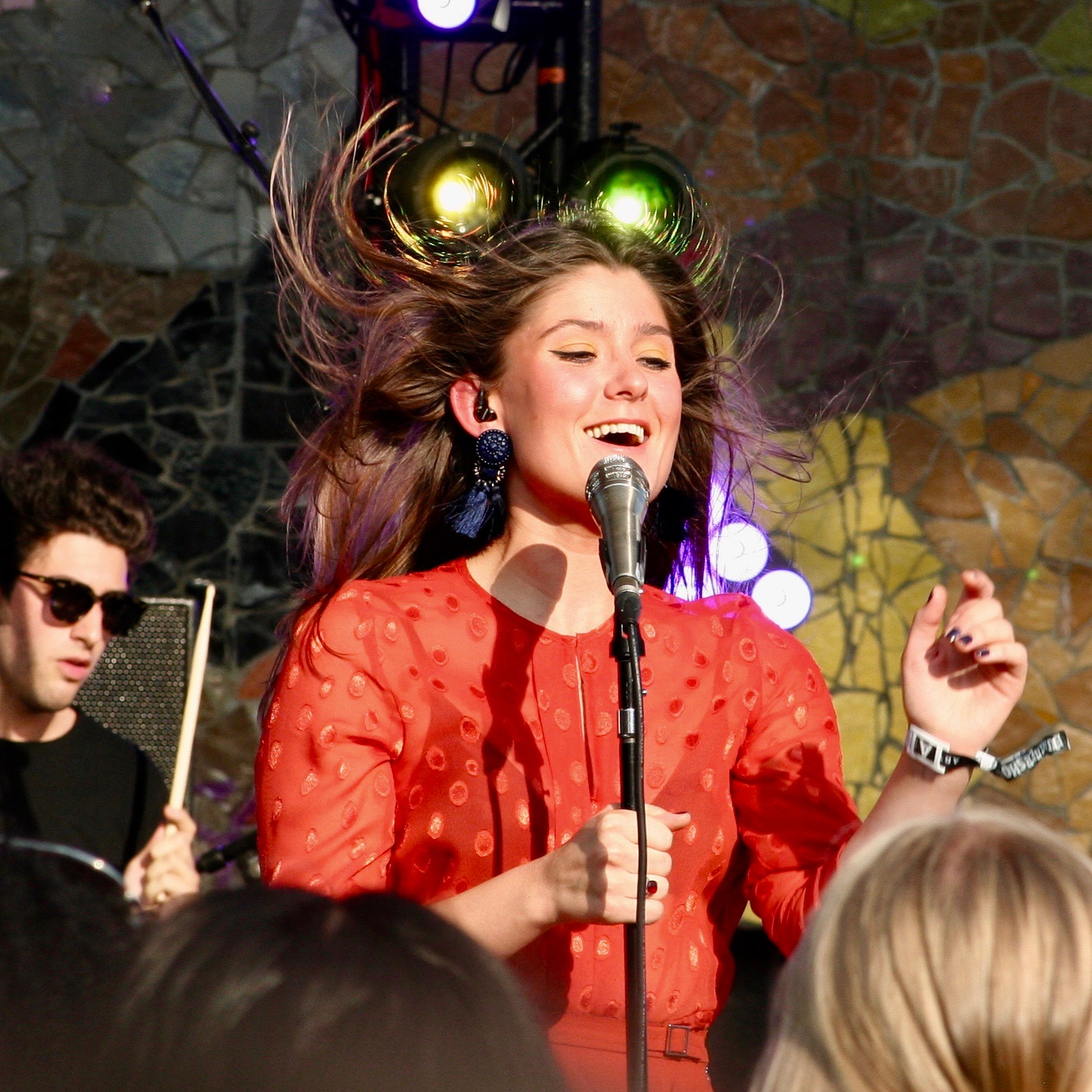 Léon and her beautiful voice had the crowd dancing with her on Saturday afternoon.
