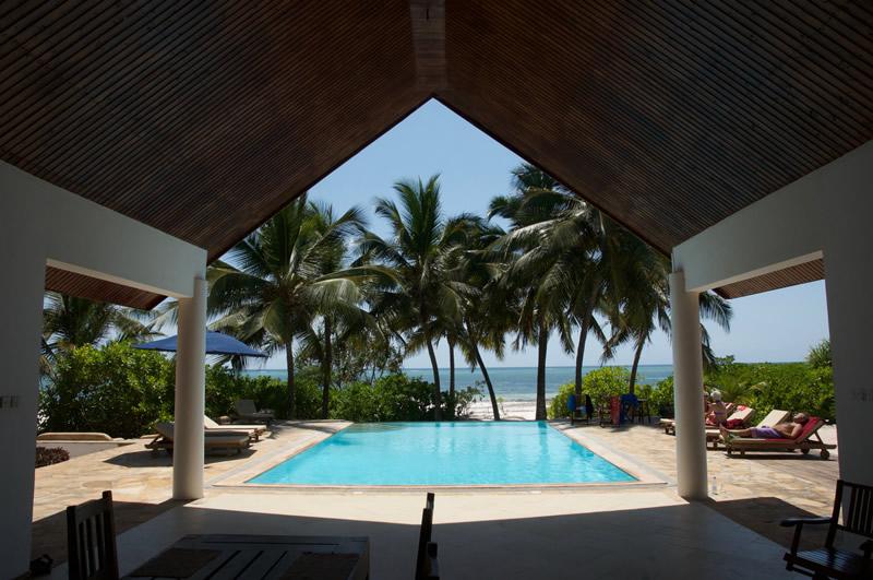 garden-beach-villa-zanzibar-pooldeck.jpg