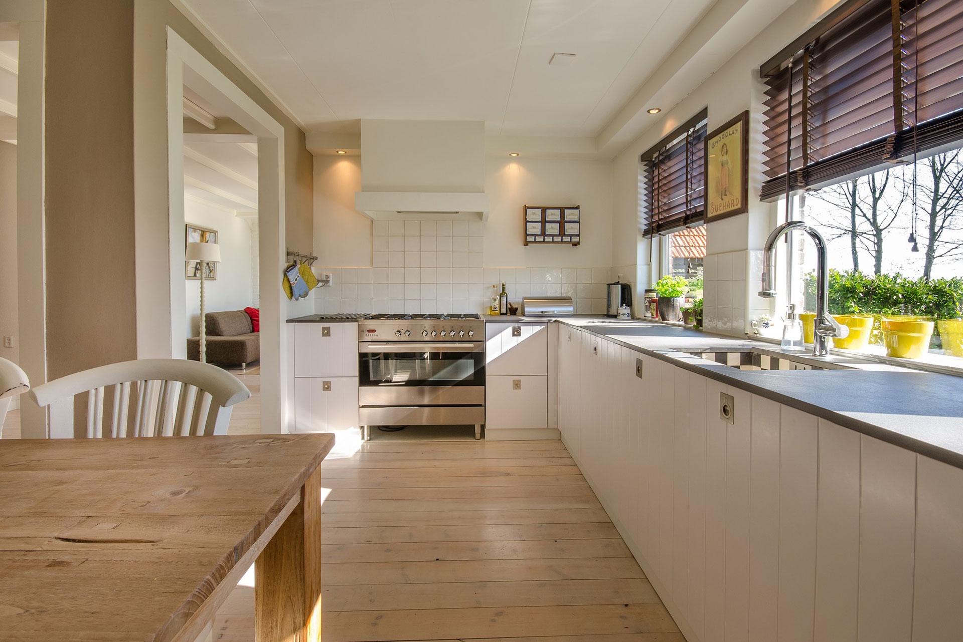 kitchen_granite_countertop.jpg