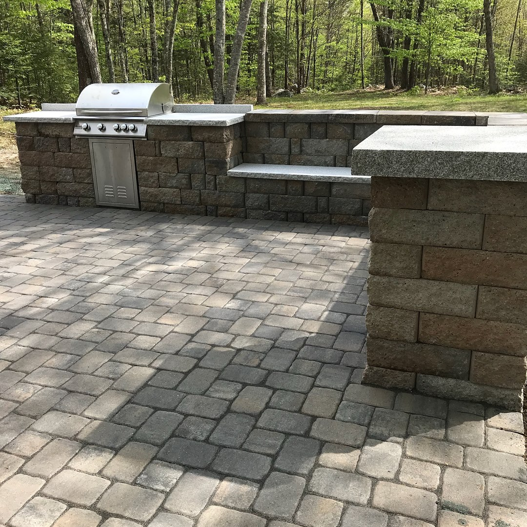 MASONRY - Building stuff is what we do best!Custom workPathways, Driveways, backyard spacesStone wallsRetaining walls, Raised flower bedsEntryways, front steps, and patiosFireplaces, ChimneysVeneers