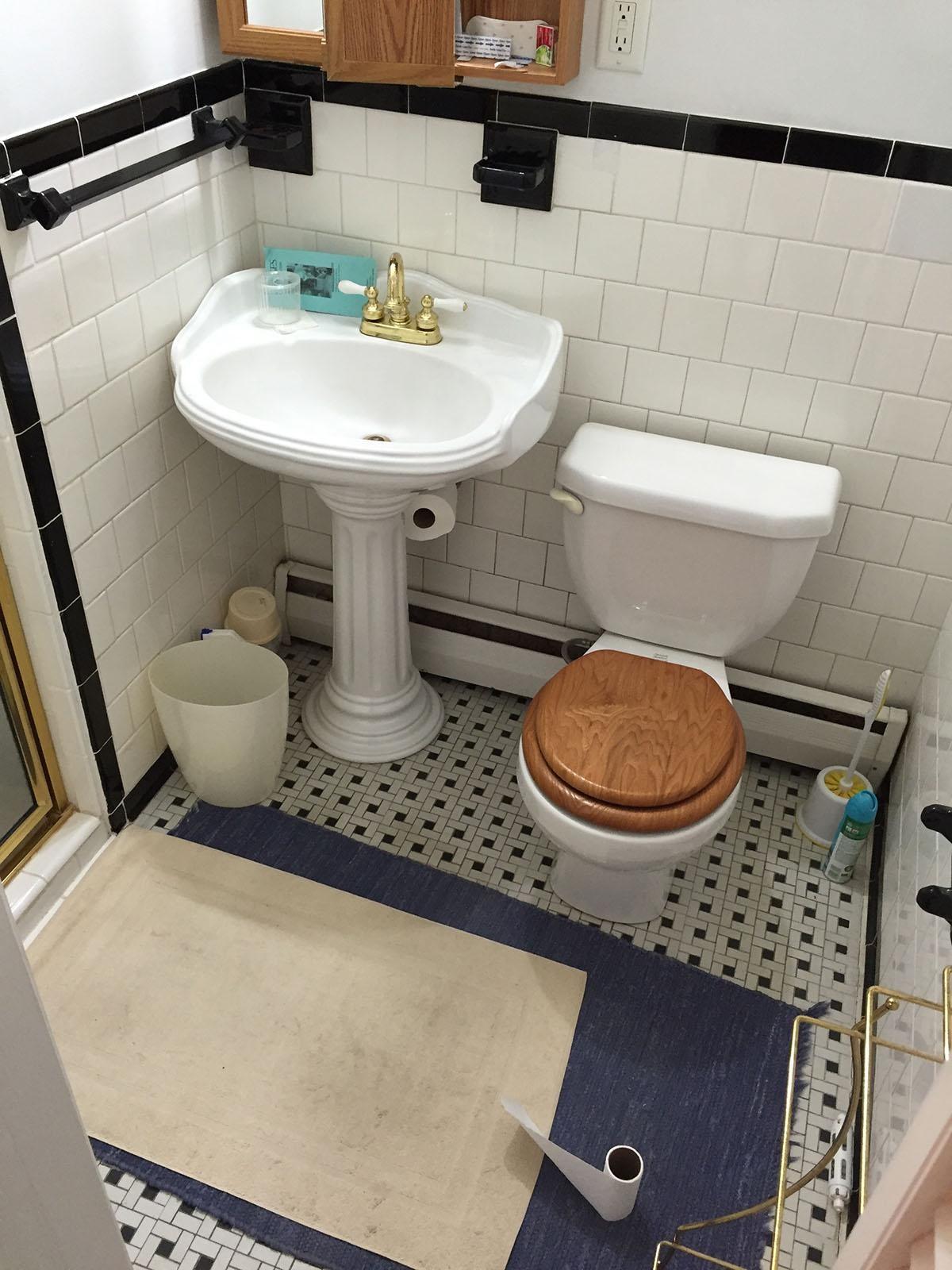 master bath before.jpg