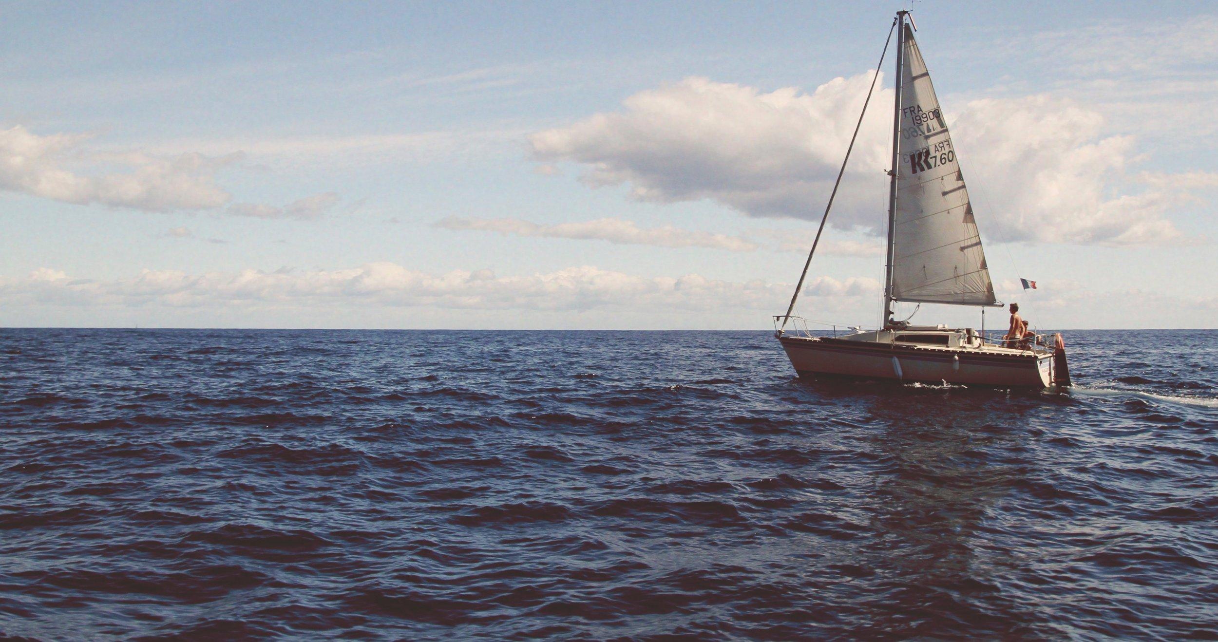 adventure-beach-boat-382167.jpg