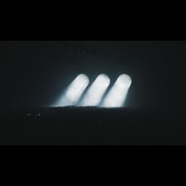 ⚫️⚫️⚫️ . . . . .  #shm #swedishhousemafia #stagedesign #design #light #unseen #simplicity #lightingdesign #visionfactory