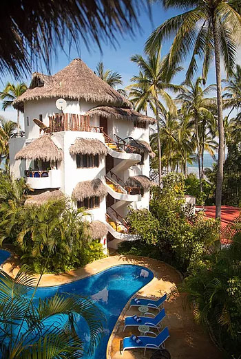 Beach-Building-of-hotel-in-sayulita.jpg