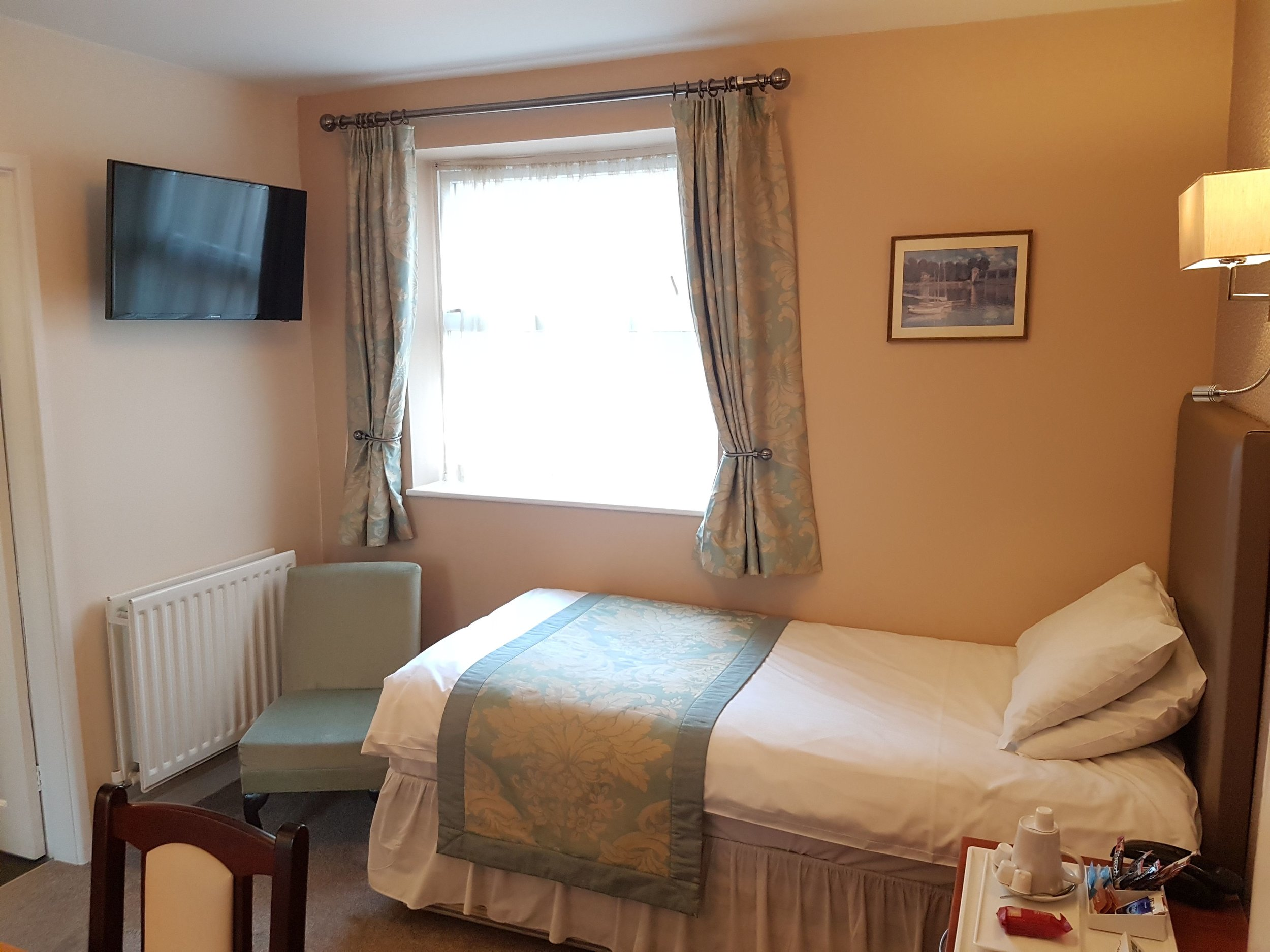 Single Room Victoria Park Lodge Leamington Spa