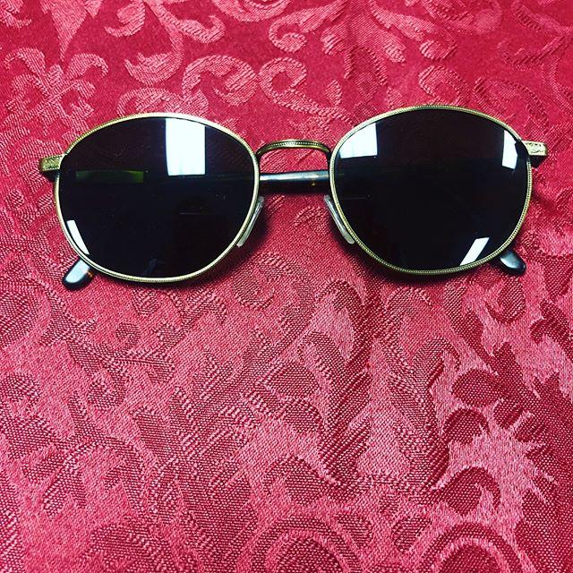 Revo Vintage Sunglasses Unisex Green Excellent Condition $230 210-267-1624 #saresale #sanantonio #sanantoniofashion