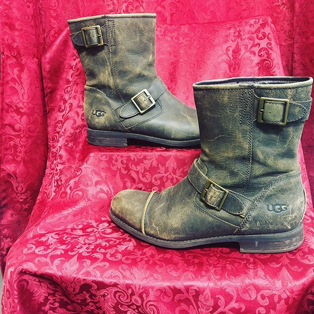 Men's Ugg Boots Size 10.5 $69 Today Only Call 210-267-1674