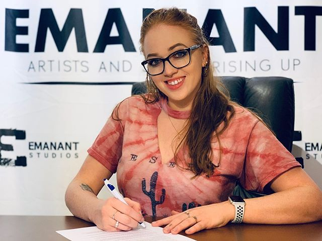 I DID IT! I officially signed!! And I cannot express how excited and happy I am to work with such an amazing and caring team that IS Emanant Music !! I'm beyond grateful - so much so that expressing it would be cliché! 💕💕💕 STAY TUNED!