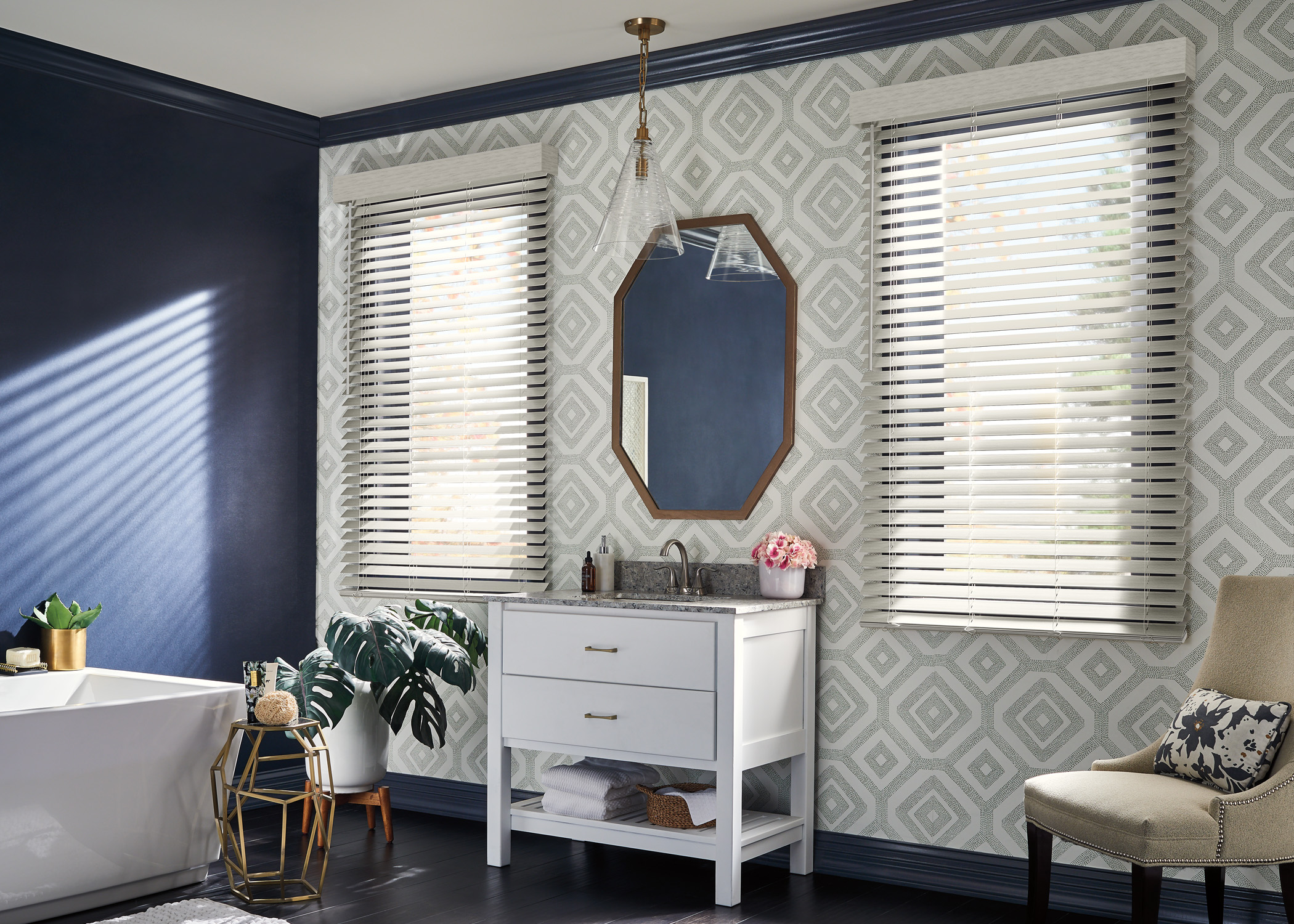 Graber_Faux Wood Blinds_Bathroom1.jpg