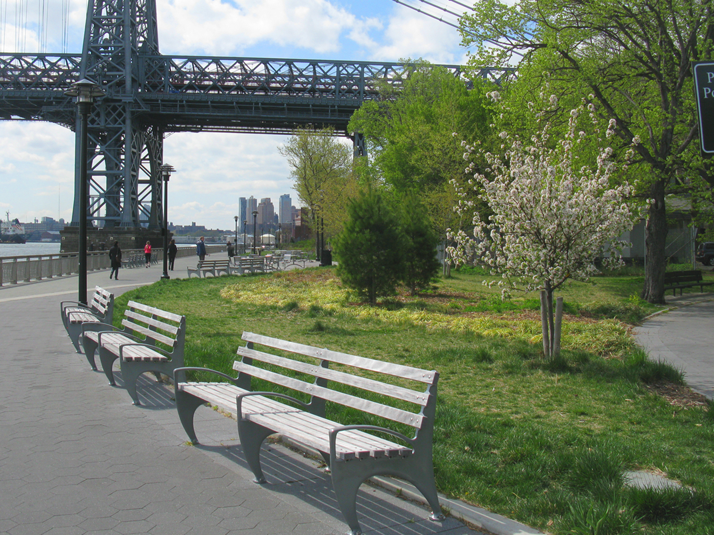 E_East River park.jpg
