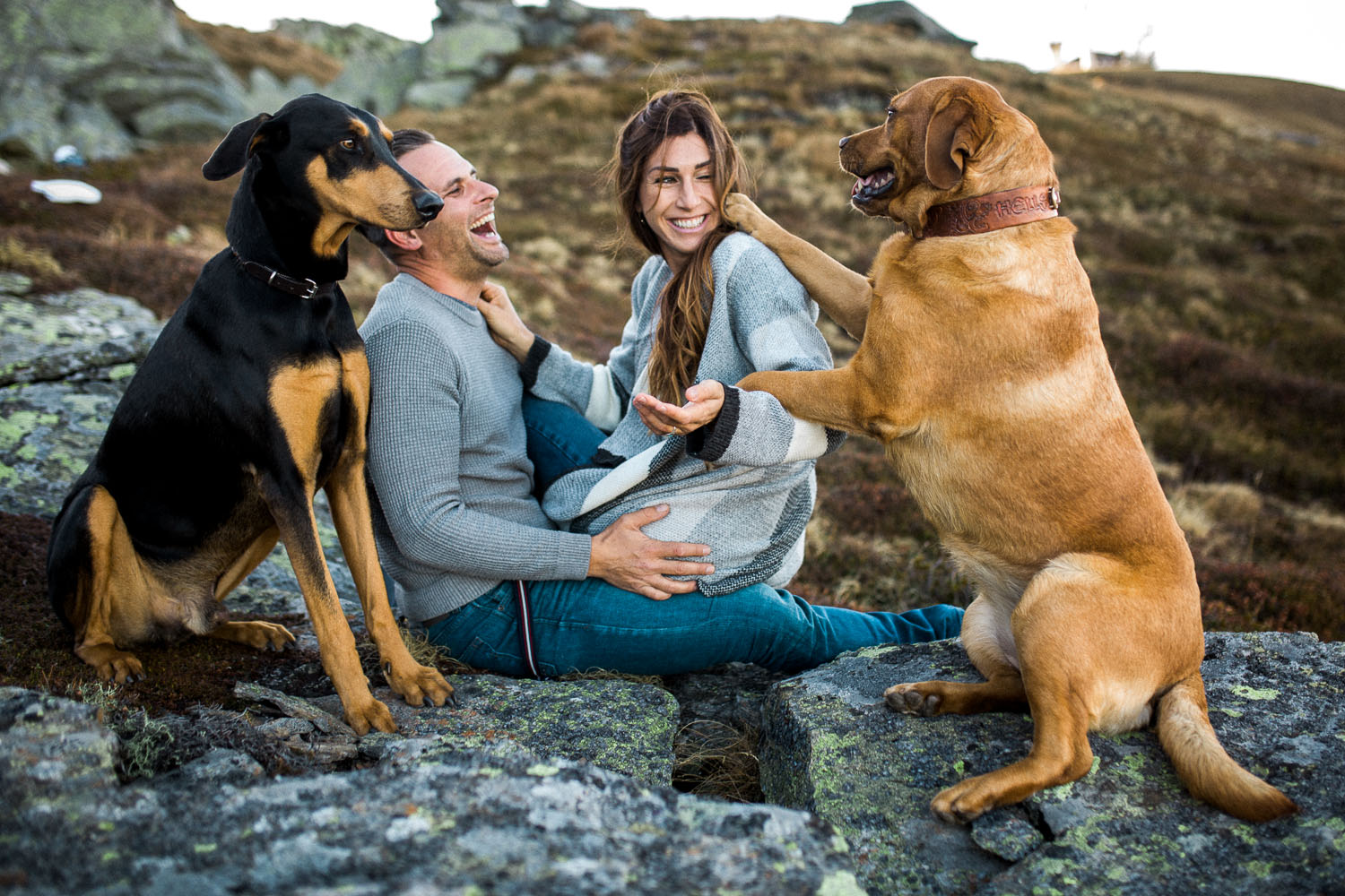 Mountain-Couple-Engagement-Session-with-dogs