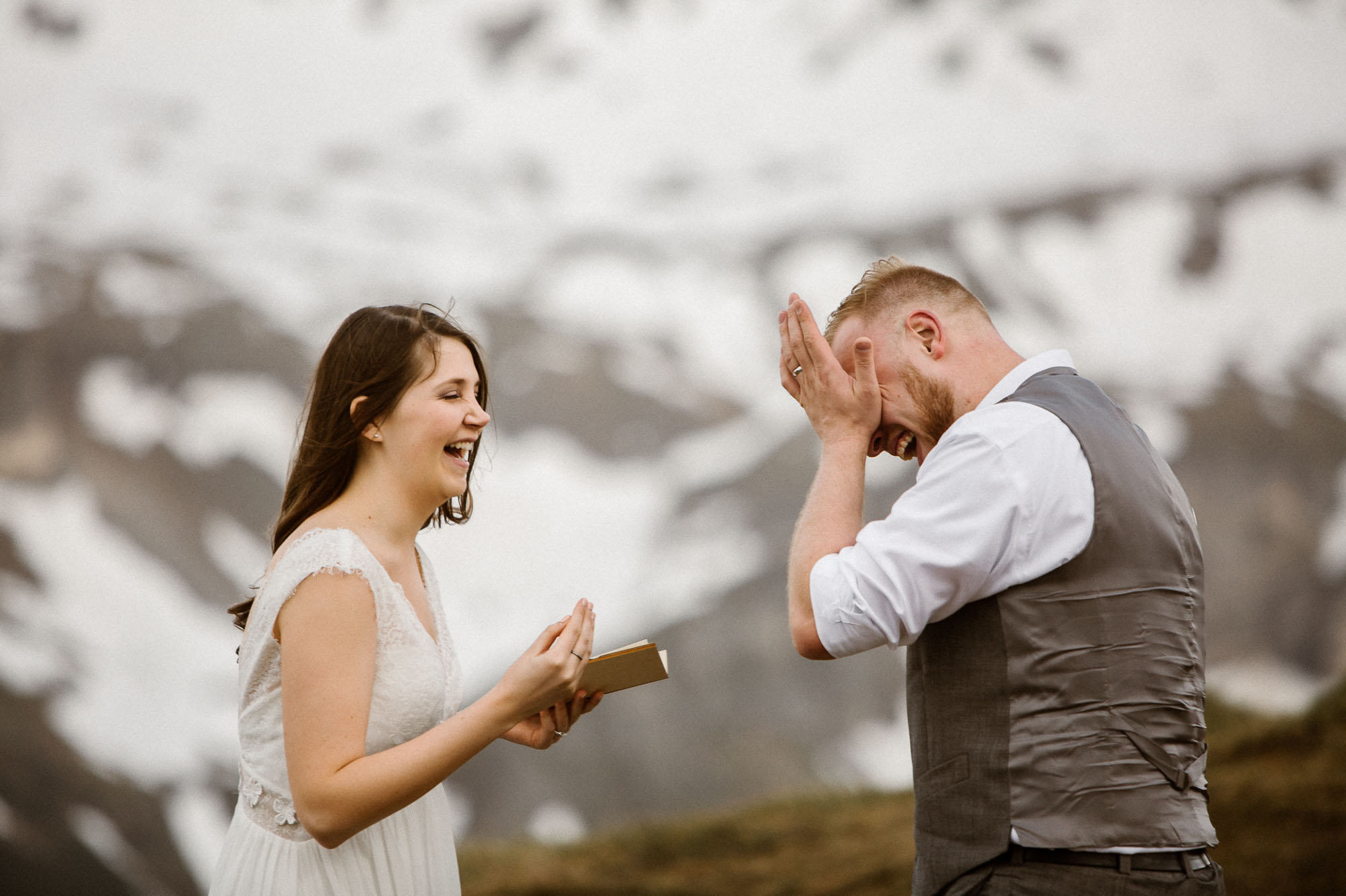 couple-reading-vows-to-each-other