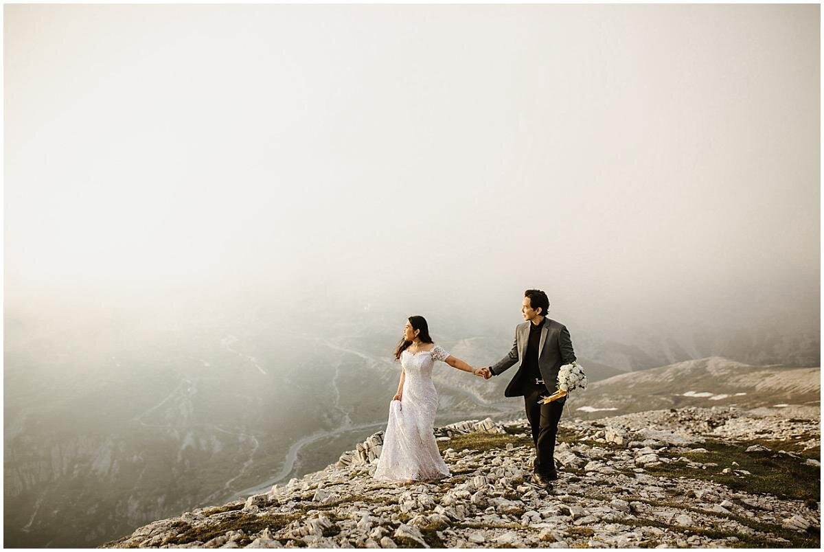 asian-couple-in-the-dolomites-pre-wedding-shoot