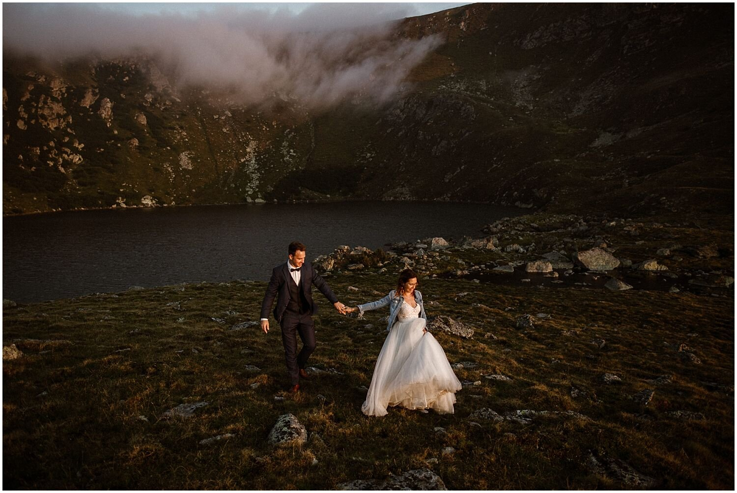 couple-at-their-sunrise-elopement