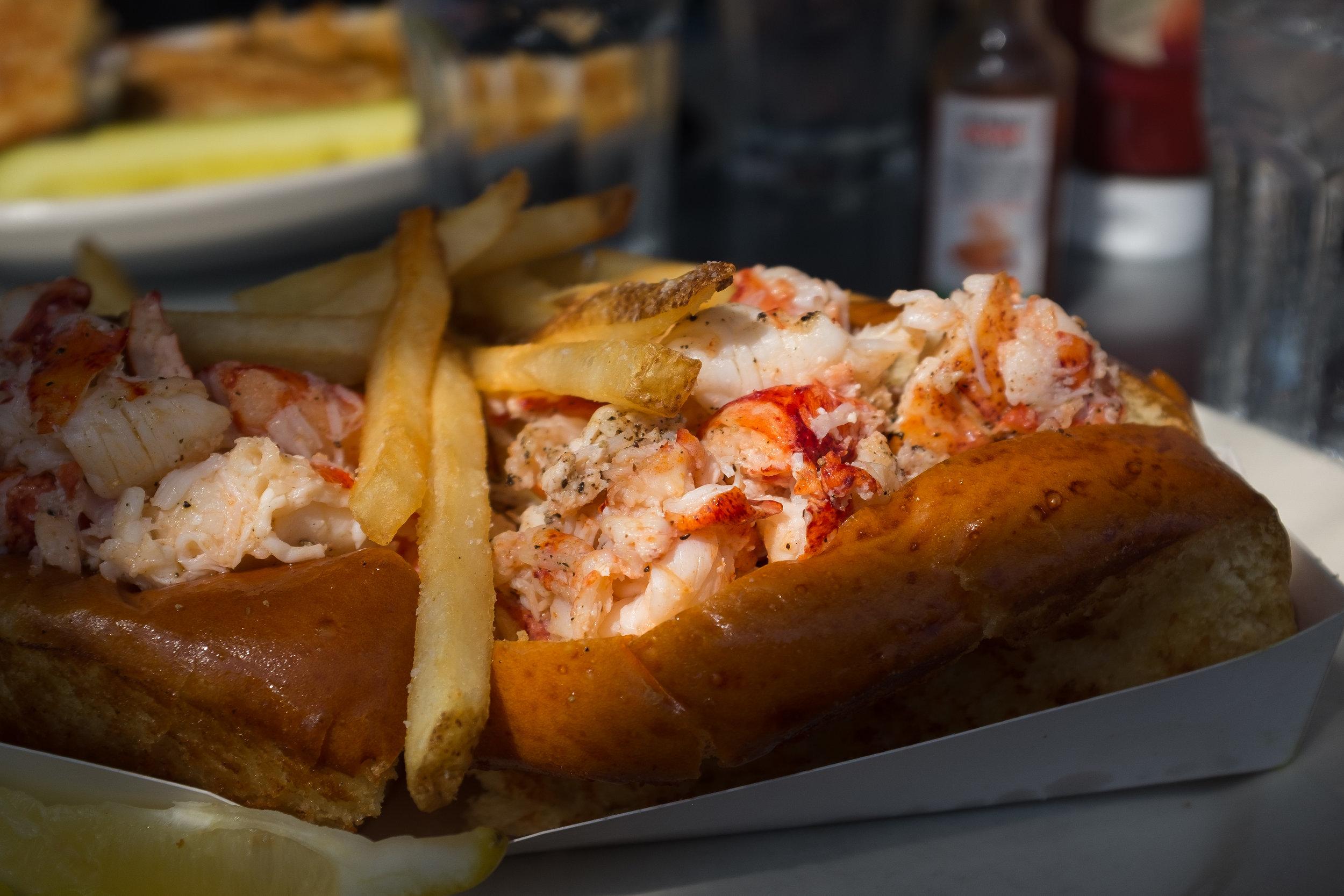 Lobster Roll at Robert's Maine Grill 2.jpg