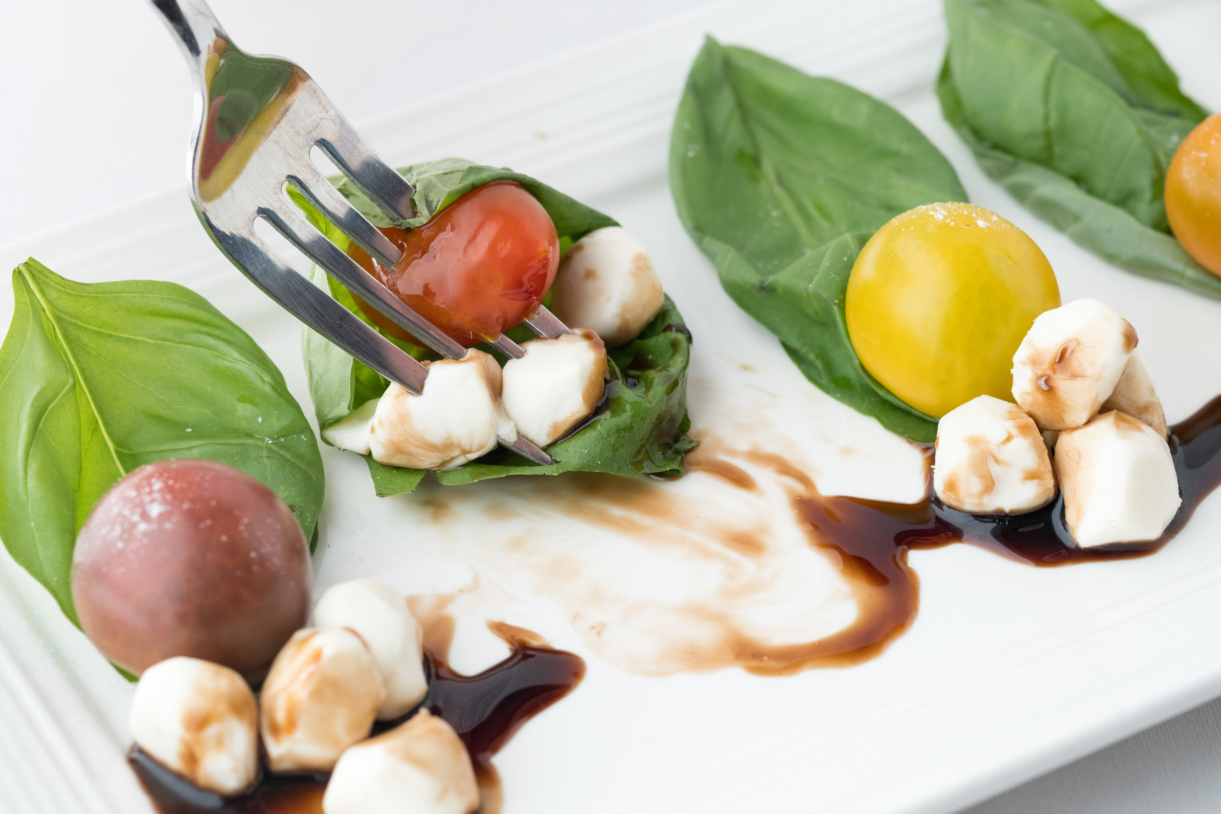 Caprese with Heirlooms Close 3_.jpg