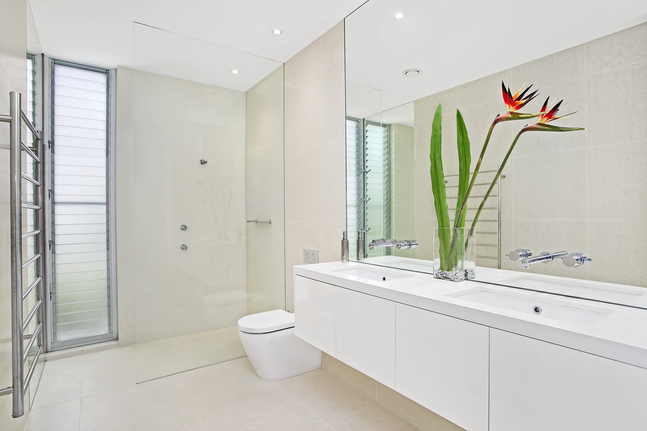 61a Muston St - Bathroom.jpg