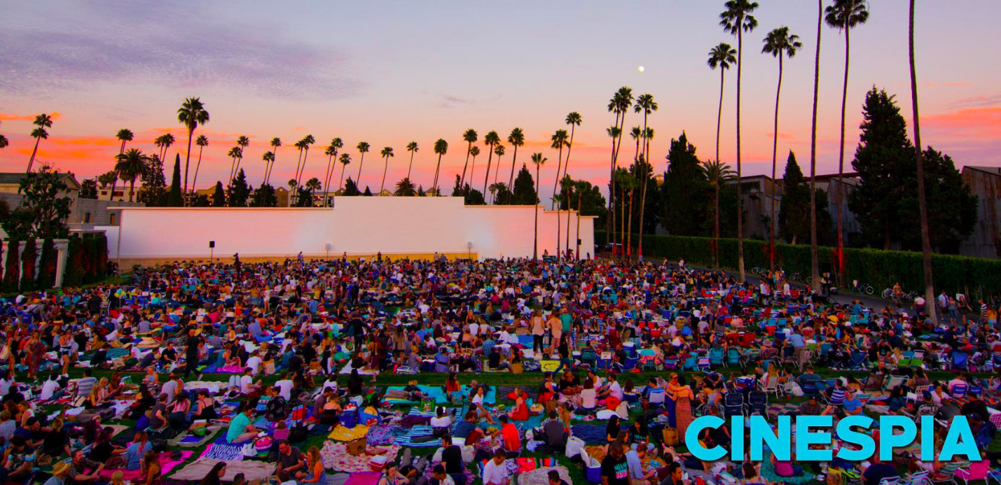 The movies are shown on the big white wall. Foto courtesy  of Cinespia