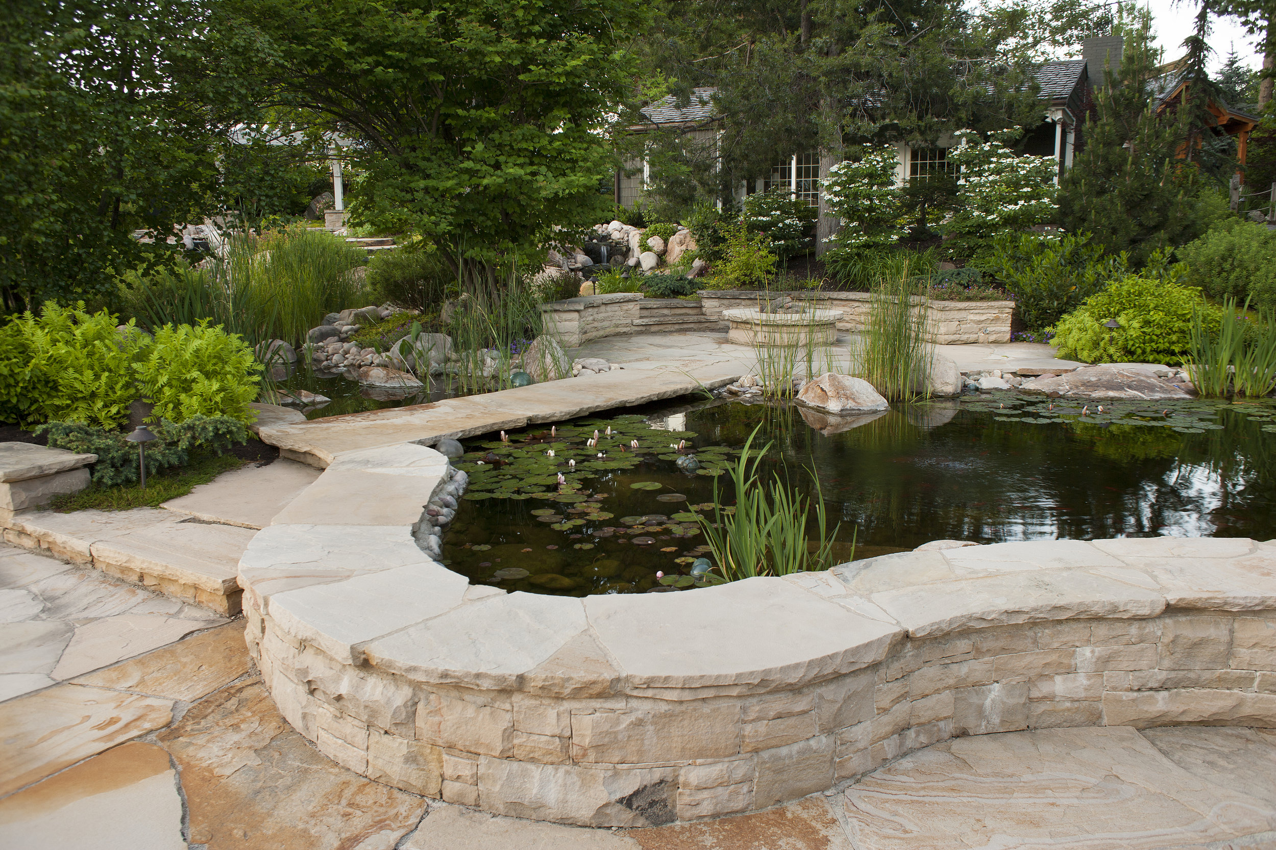 We design thoughtful, outdoor spaces. -