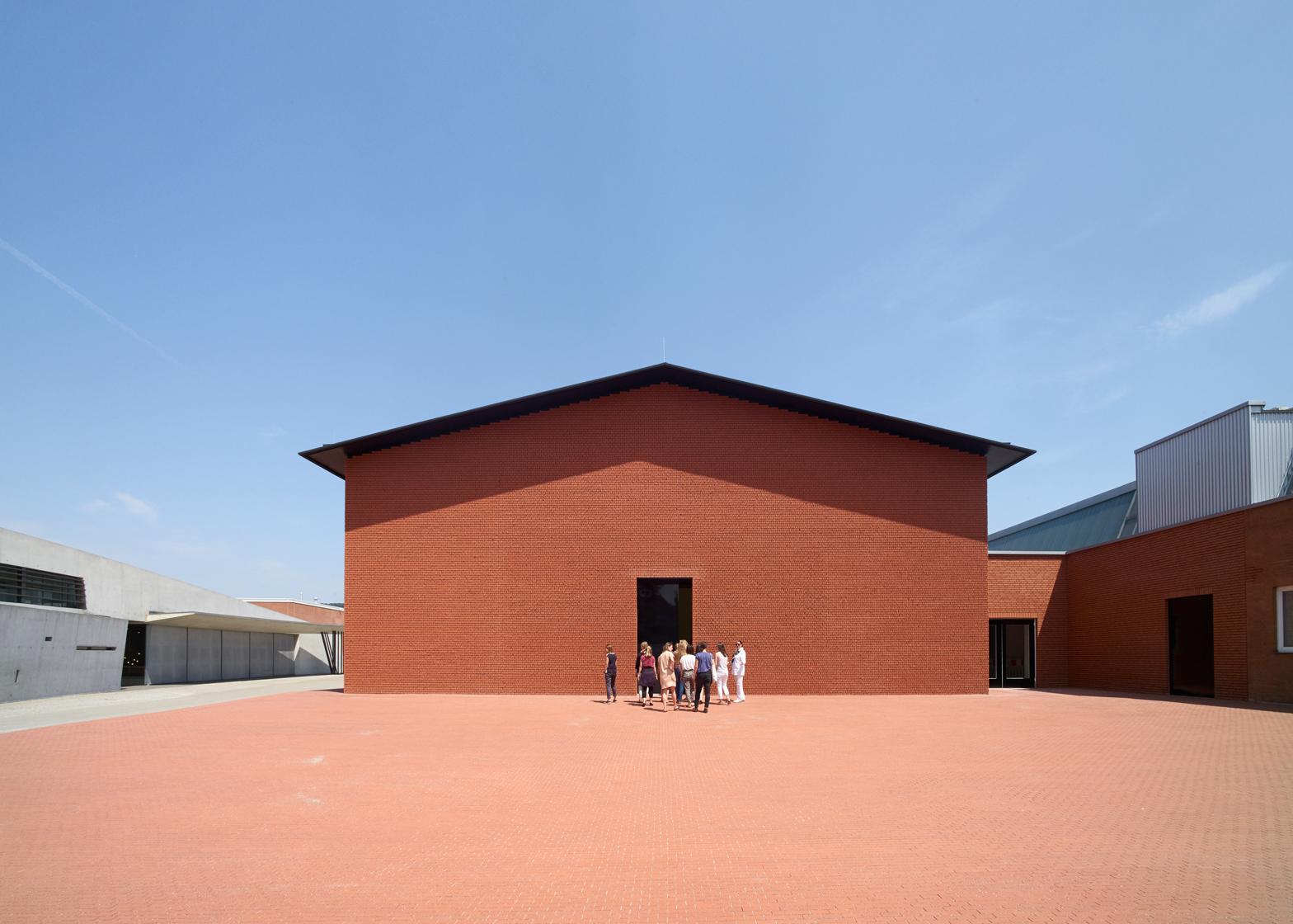 vitra-design-museum-schaudepot-herzog-de-meuron_dezeen_ban.jpg