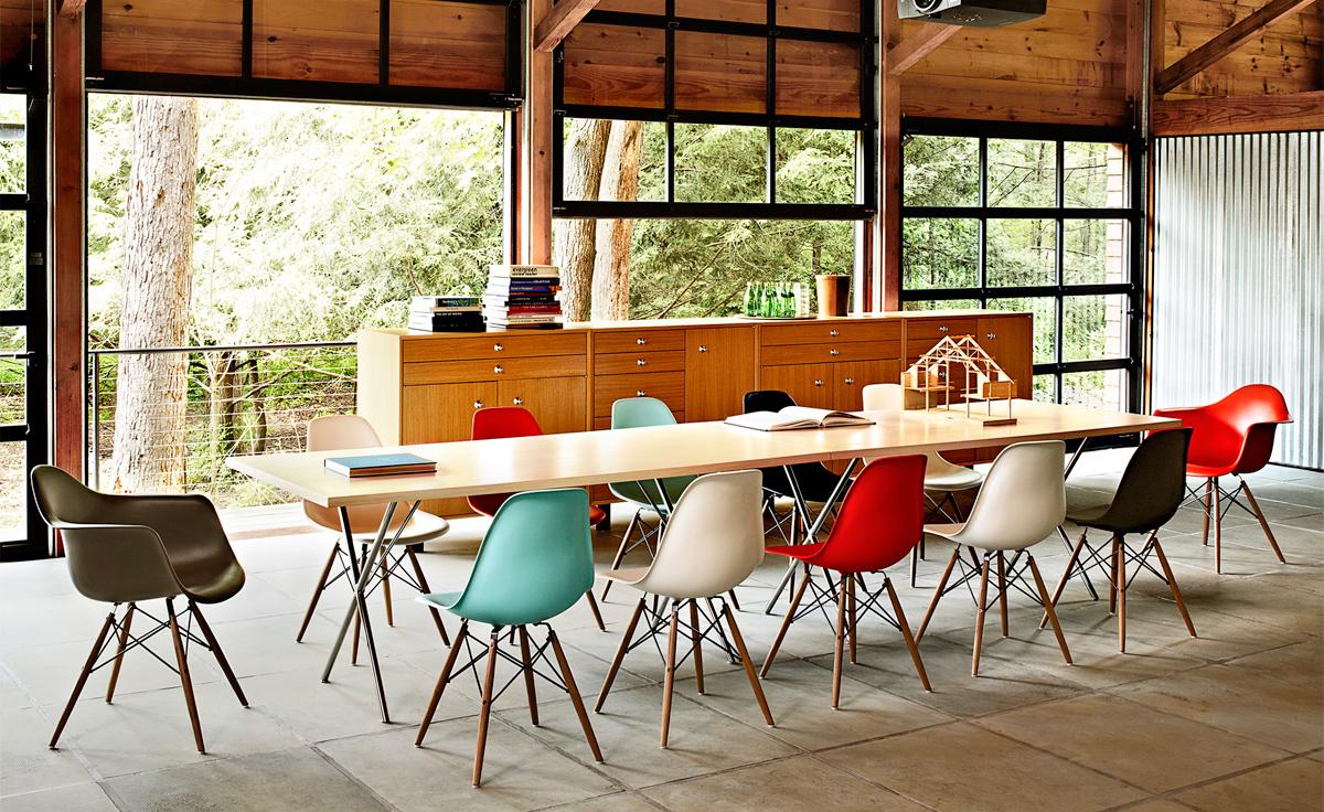 eames-molded-fiberglass-armchair-dowel-base-herman-miller-6.jpg