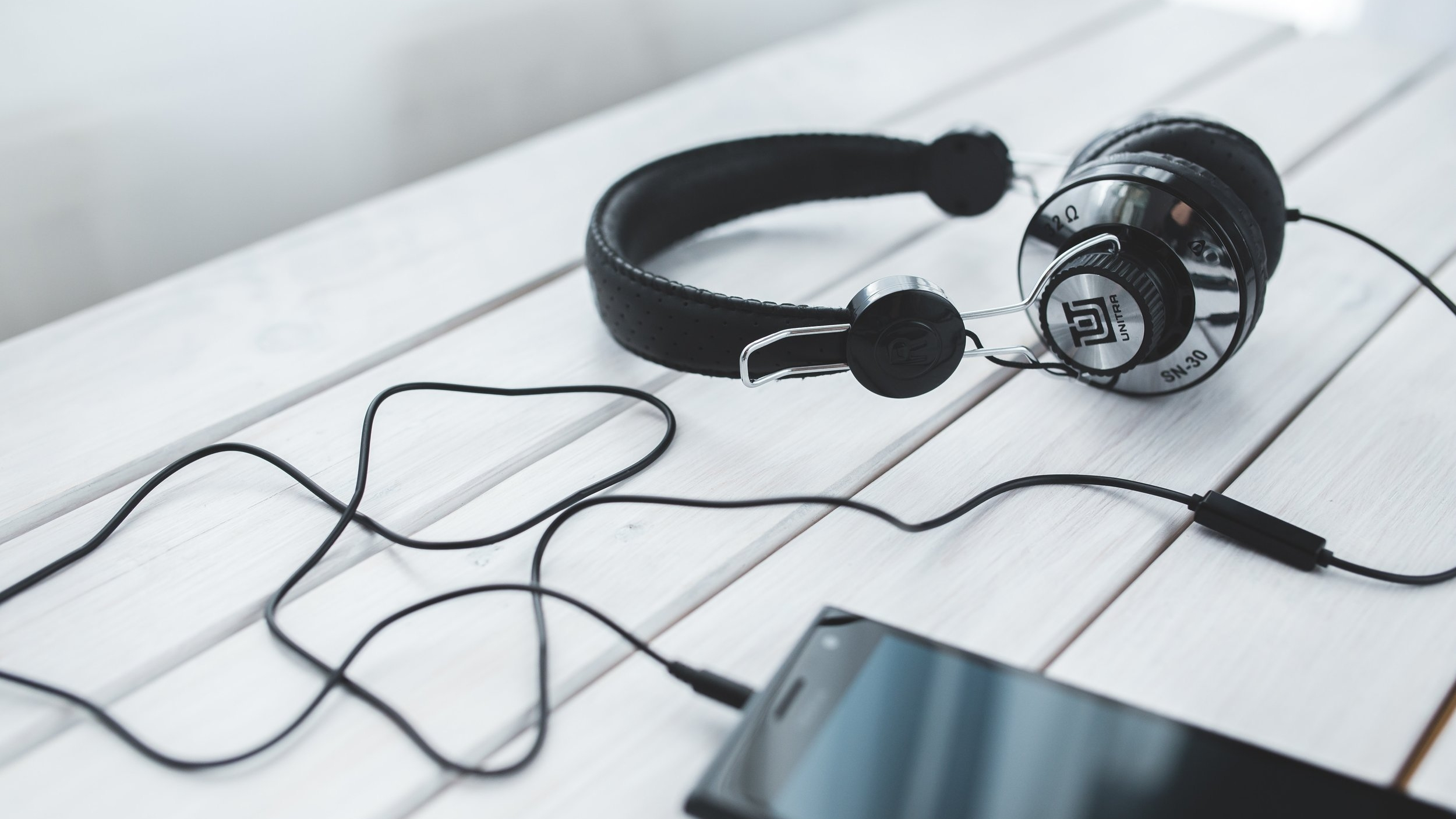 5 top podcasts for solopreneurs.jpg