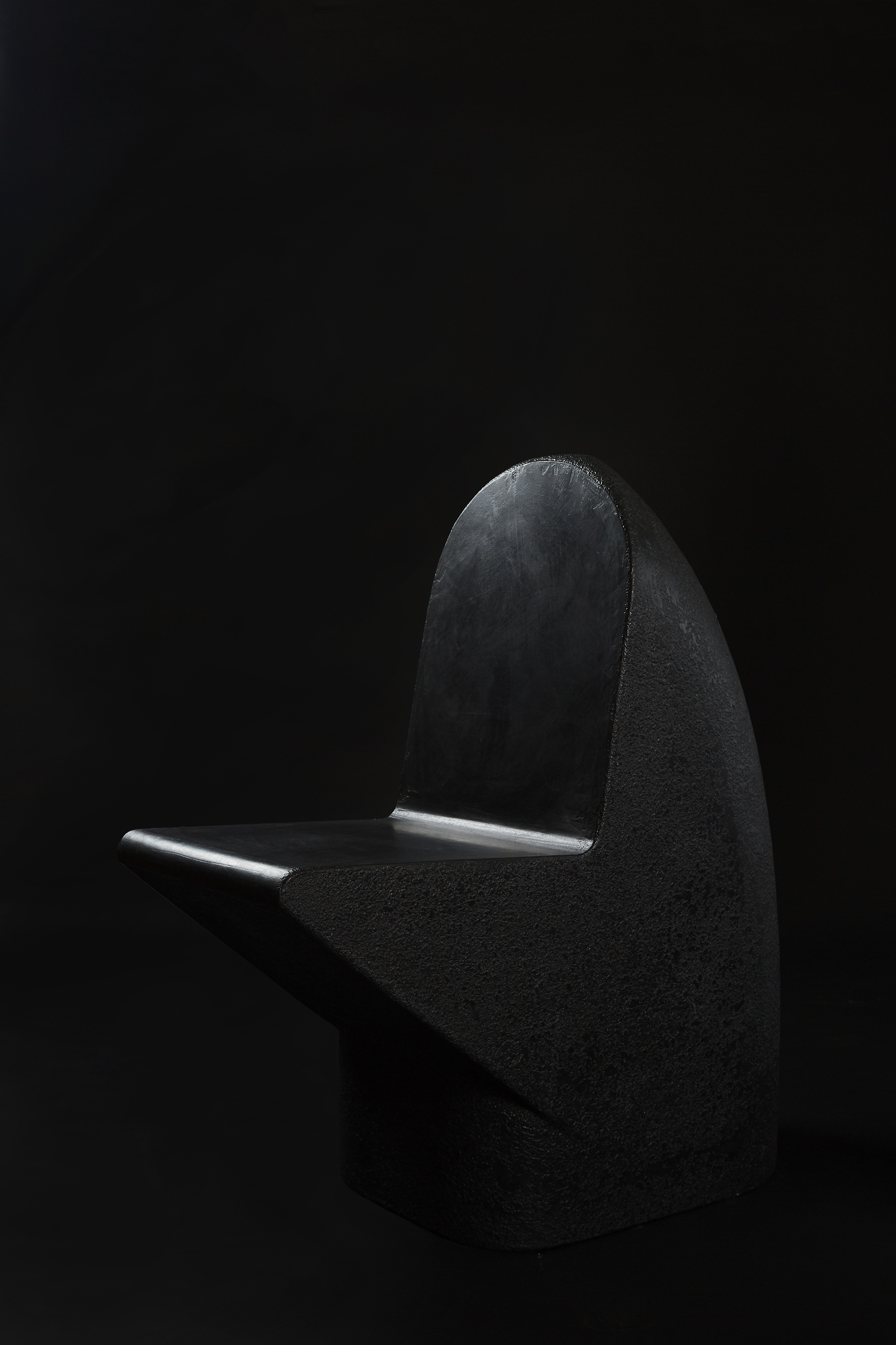 Snake Head Seat - Charcoal (2018) Cement | L870 x W440 x H960