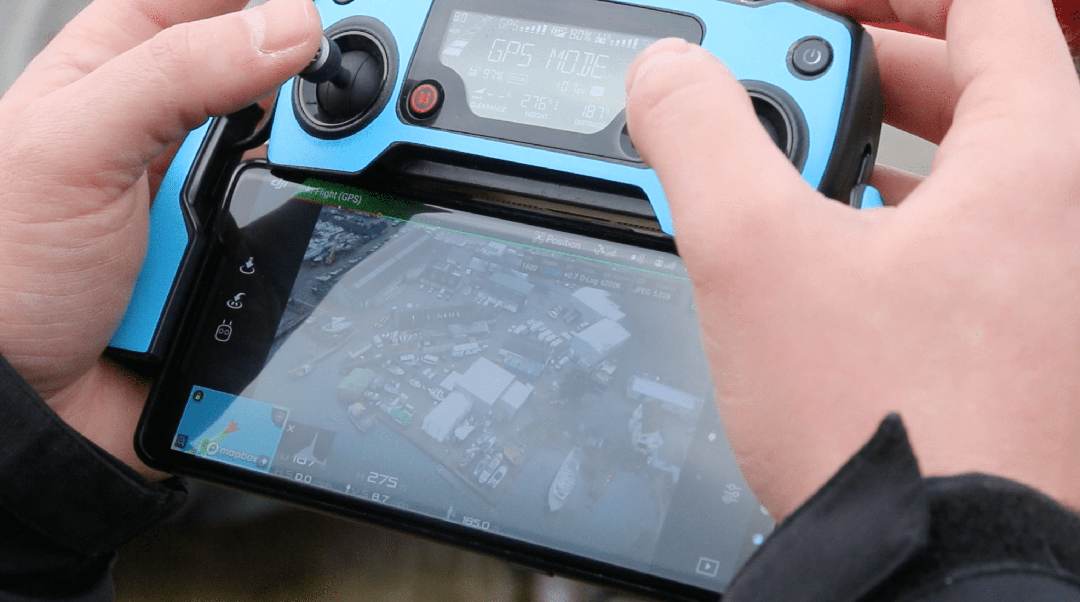 DID WE ALSO BRAND UP ONE OF OUR CONTROLLERS IN  SOLENT SKY SERVICES BLUE ? YES. YES WE DID.