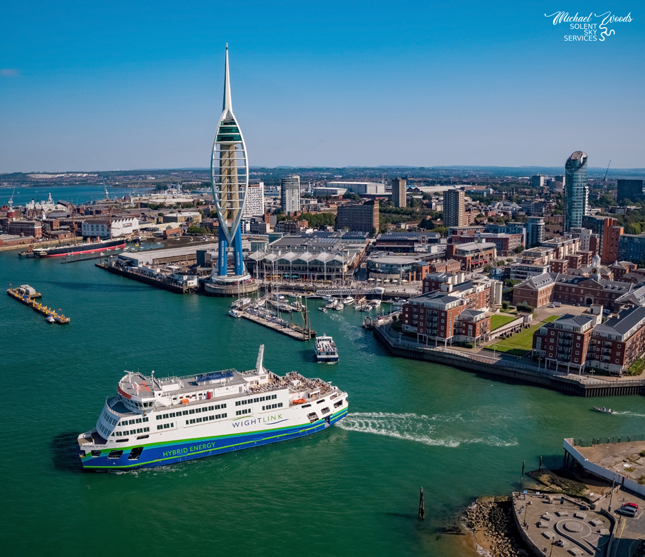 Portsmouth-harbour---Wightlink-and-Spinnaker-Tower.png