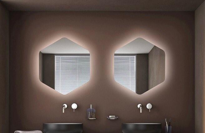 Espejo retroiluminado con esencia italiana