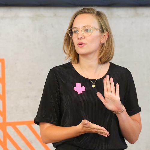 Kassandra Becker - Kassandra Becker ist Referentin für Soziale Innovationen & Digitalisierung und stellvertretende Teamleiterin des Teams