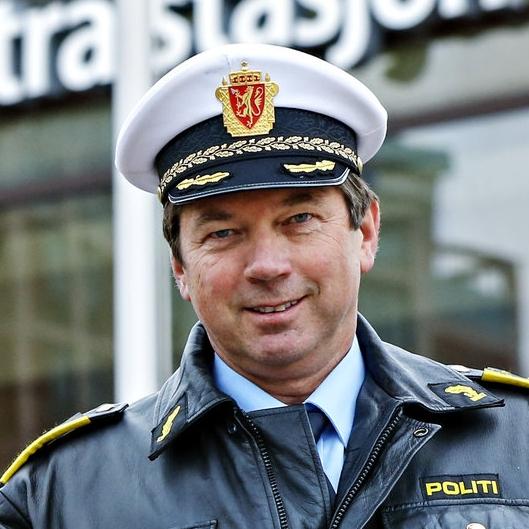 Geir Tveit fra Politiets forebyggende avdeling deltar i debatt.