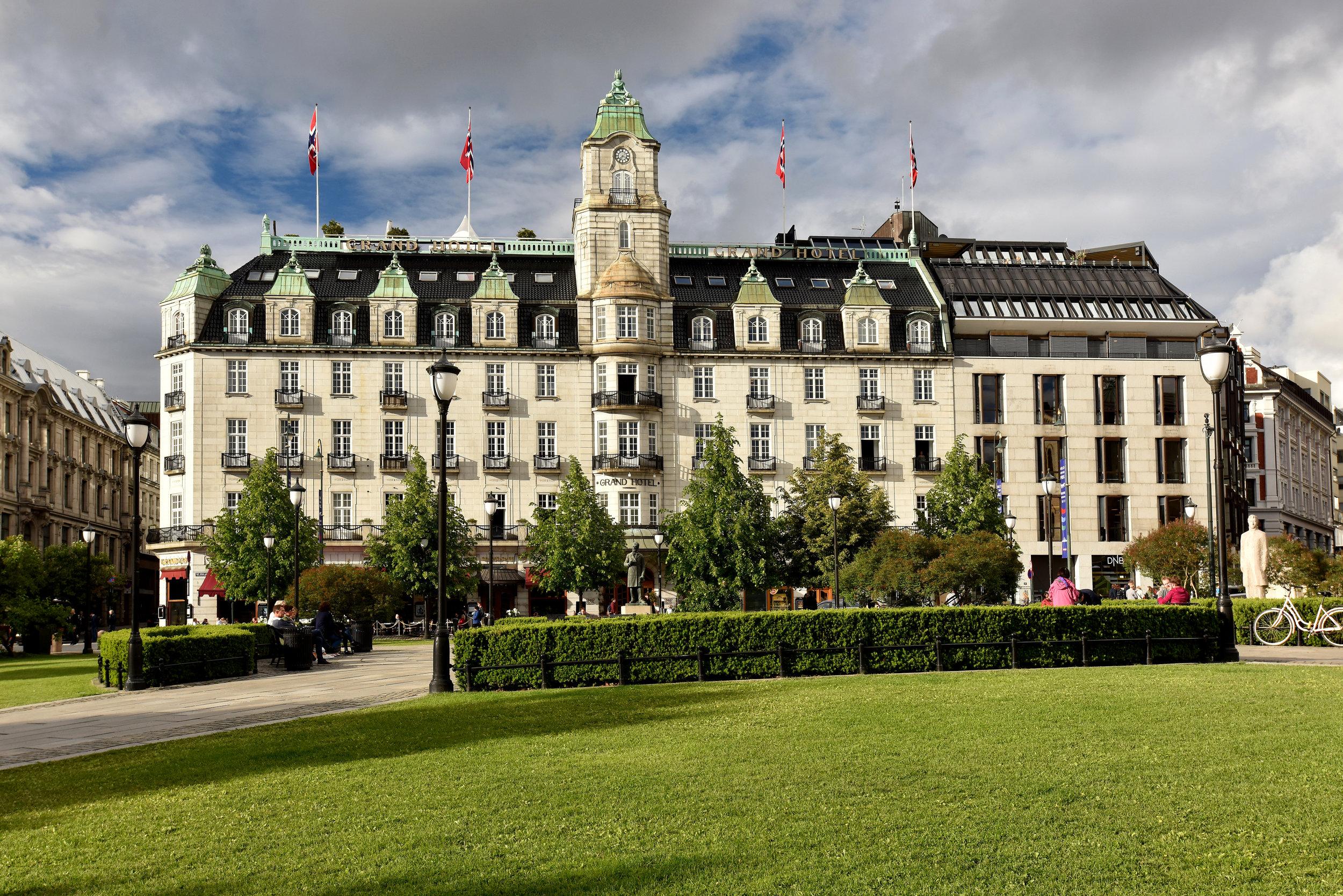 Grand-Hotel-2017-Fasade.jpg