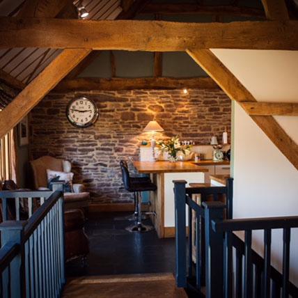 Meadow-End-Barn-large-landing-looking-towards-kitchen.jpg