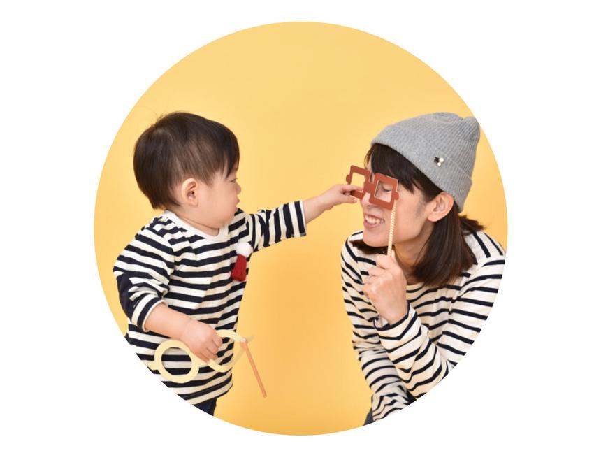 無料撮影会 - 5万円もかかる写真館や写真スタジオは頻繁にいけない、でも子供の成長をより素敵に残したい。そんな声から生まれた無料のプロカメラマン撮影会を全国で開催中。お金の専門家による家計カウンセリングや子育て費用相談も兼ねることで、子育て家族の笑顔と未来を育む体験を提供します。