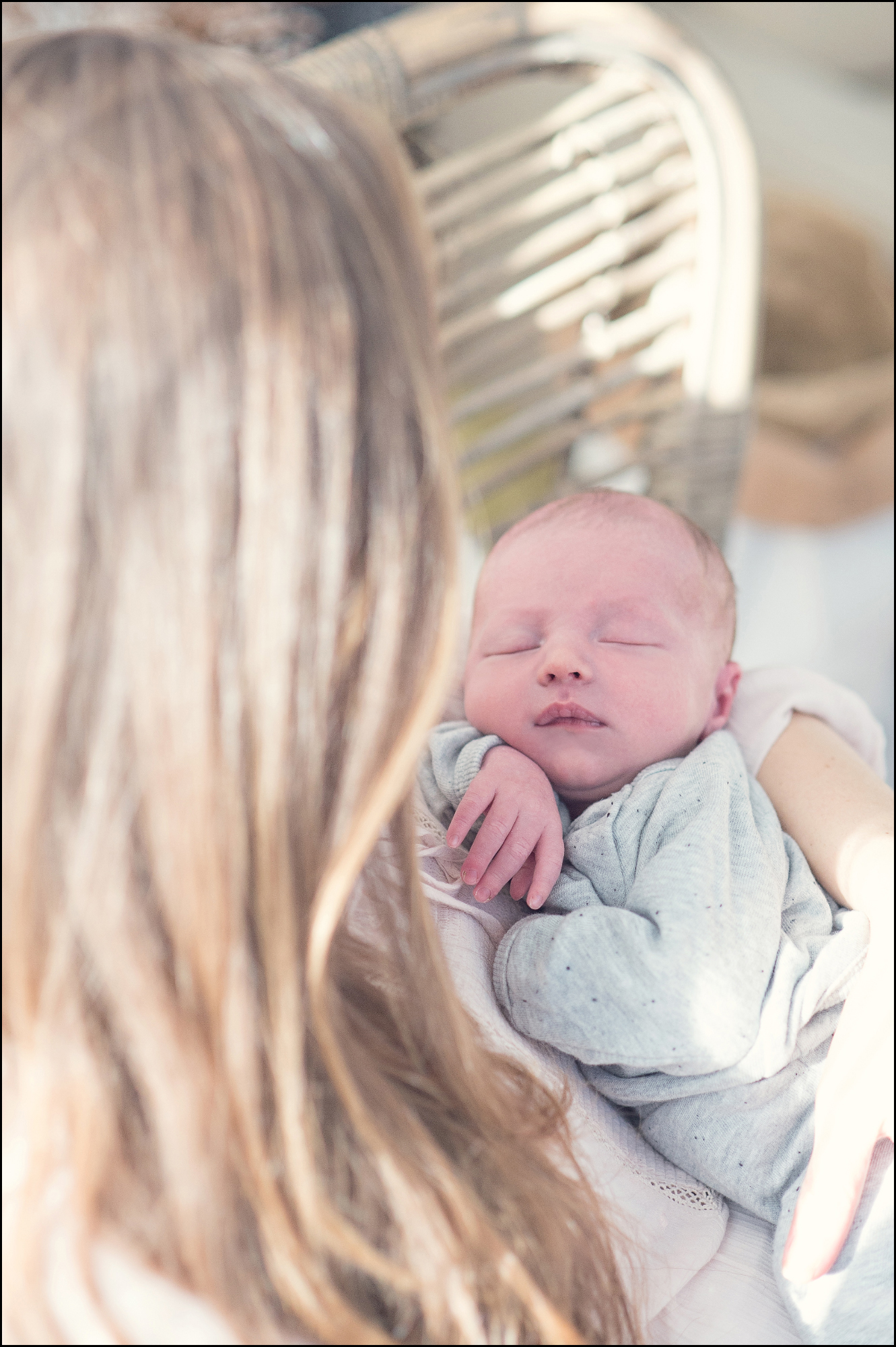 Naturelle Look Photography - Lifestyle_Newbornshoot a005 Pastel_line.jpg