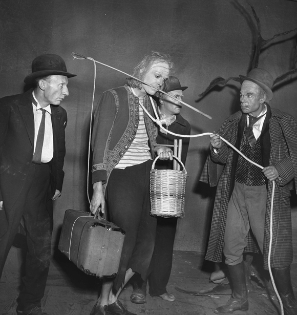 Production photograph from 1953 premiere of  Waiting for Godot , Théâtre de Babylone, Paris.