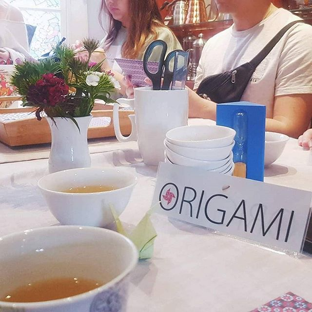 Thanks to our awesome Origami class last Friday, we have a gorgeous new window display ready for our Champagne Darjeeling and Nepal tea launch this weekend!  Check it out here: https://m.facebook.com/events/672484323199429/?ti=wa  #loosetea #looseleafcork #origami #darjeeling #nepaltea #nepalifood #origamiart #origamiartist #whatsonincork #tealover #corkevents #corkfood #corkfoodscene #corkfoodie