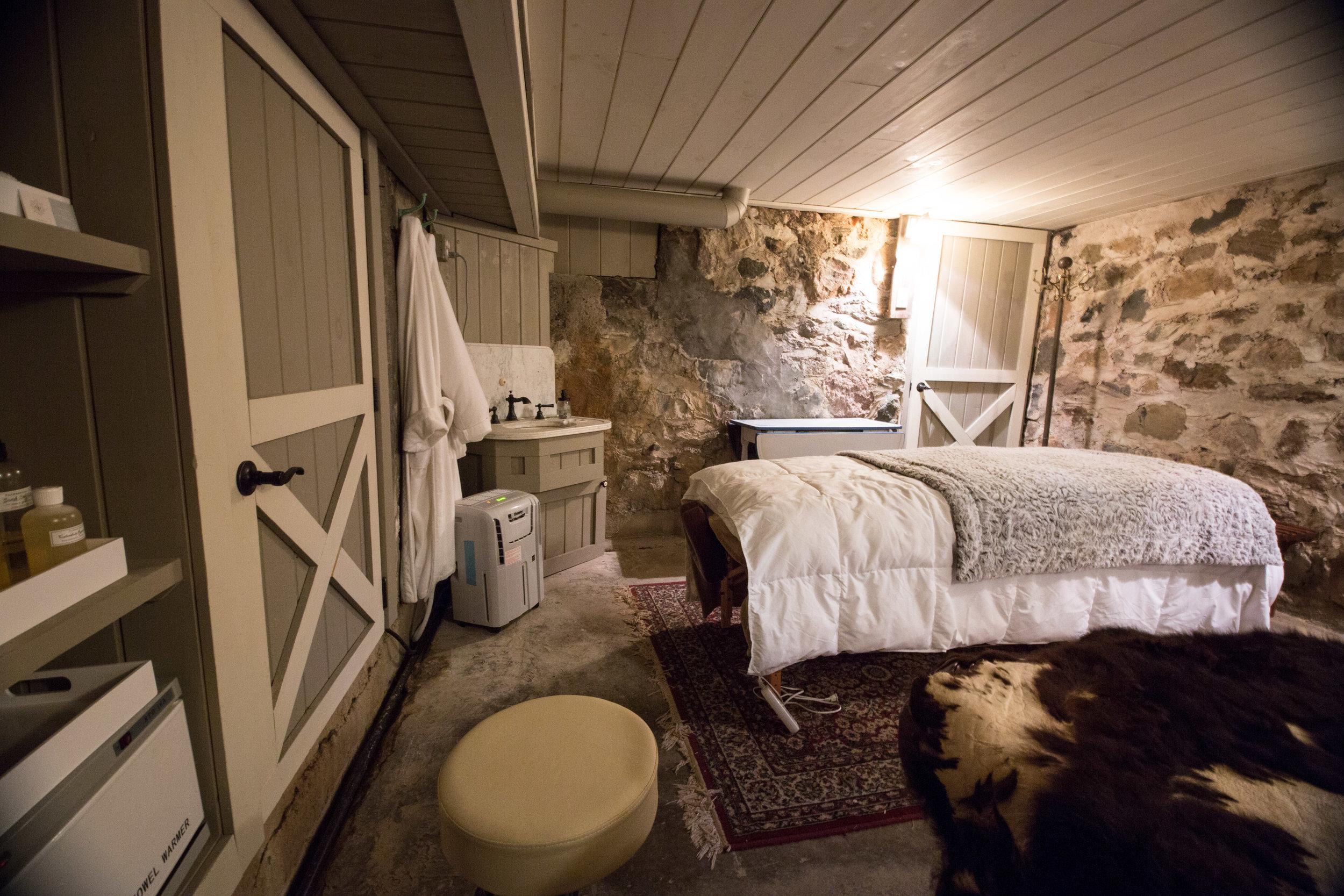 The Farmstead Spa Room - 60 minutes: $8090 minutes: $110120 minutes: $180Contact Marissa: 260.715.2547peaceofmindroanoke@gmail.com