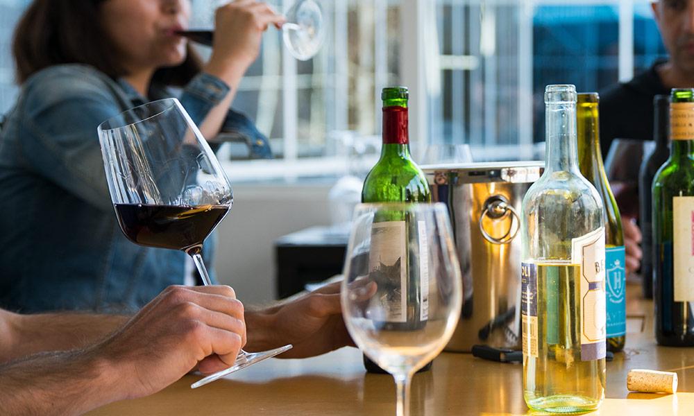 drinks-wine-expert-curation.jpg