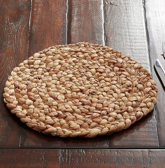 round-water-hyacinth-placemat-o.jpg