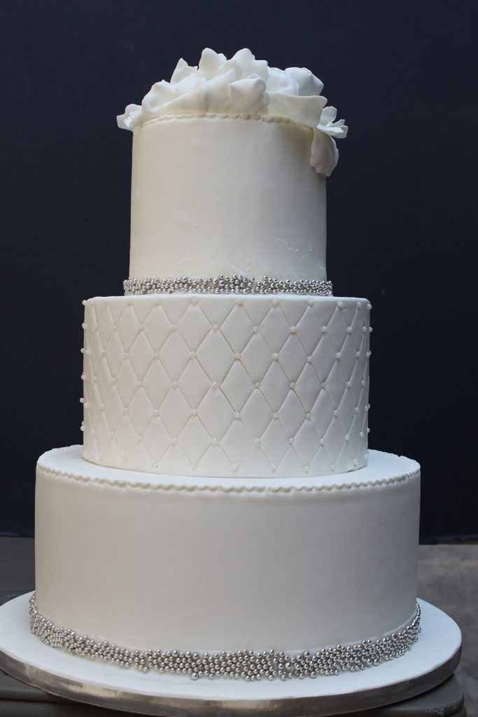 Quilt & Silver Dragee Wedding Cake