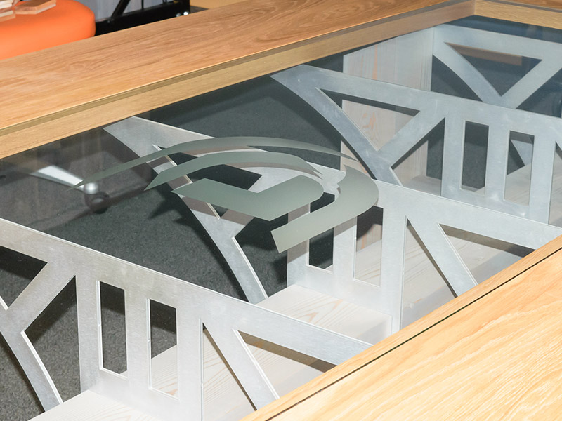 800x600-Design-Conference-Table-14.jpg