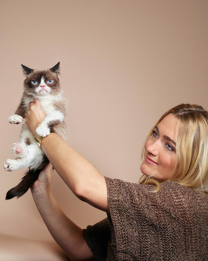 chris-buck-grumpy-cat.jpg