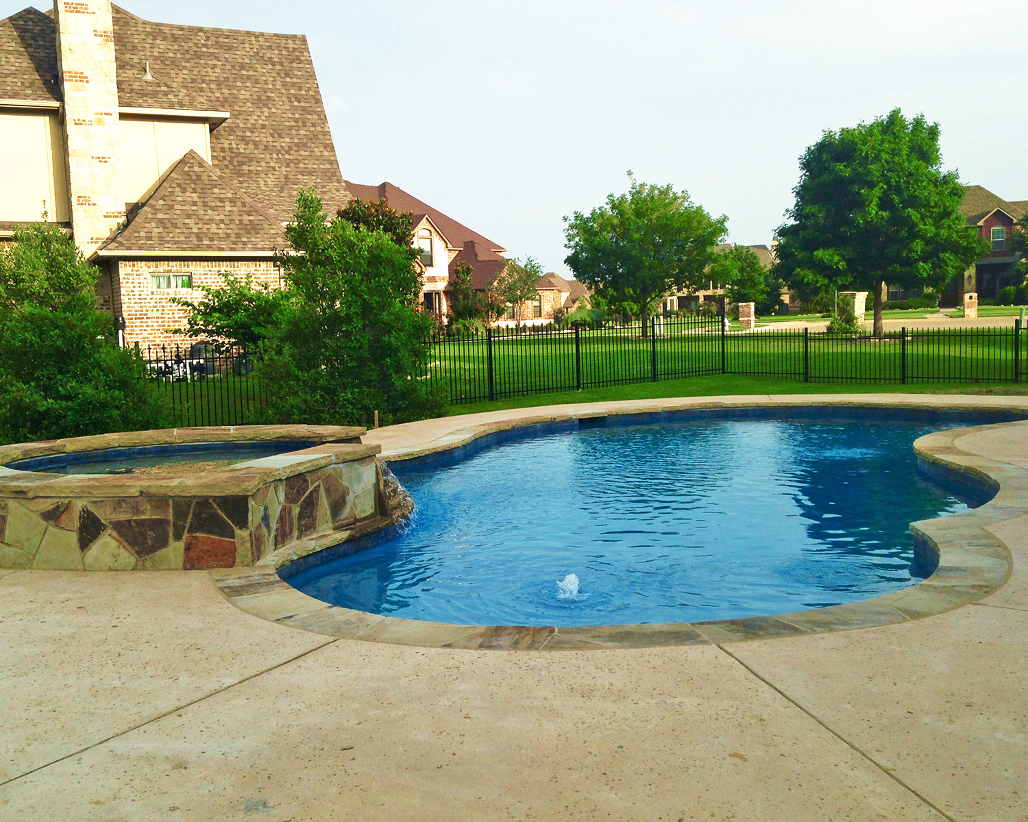 LakePointePools-Cleaning-Custom-gated-pool.jpg