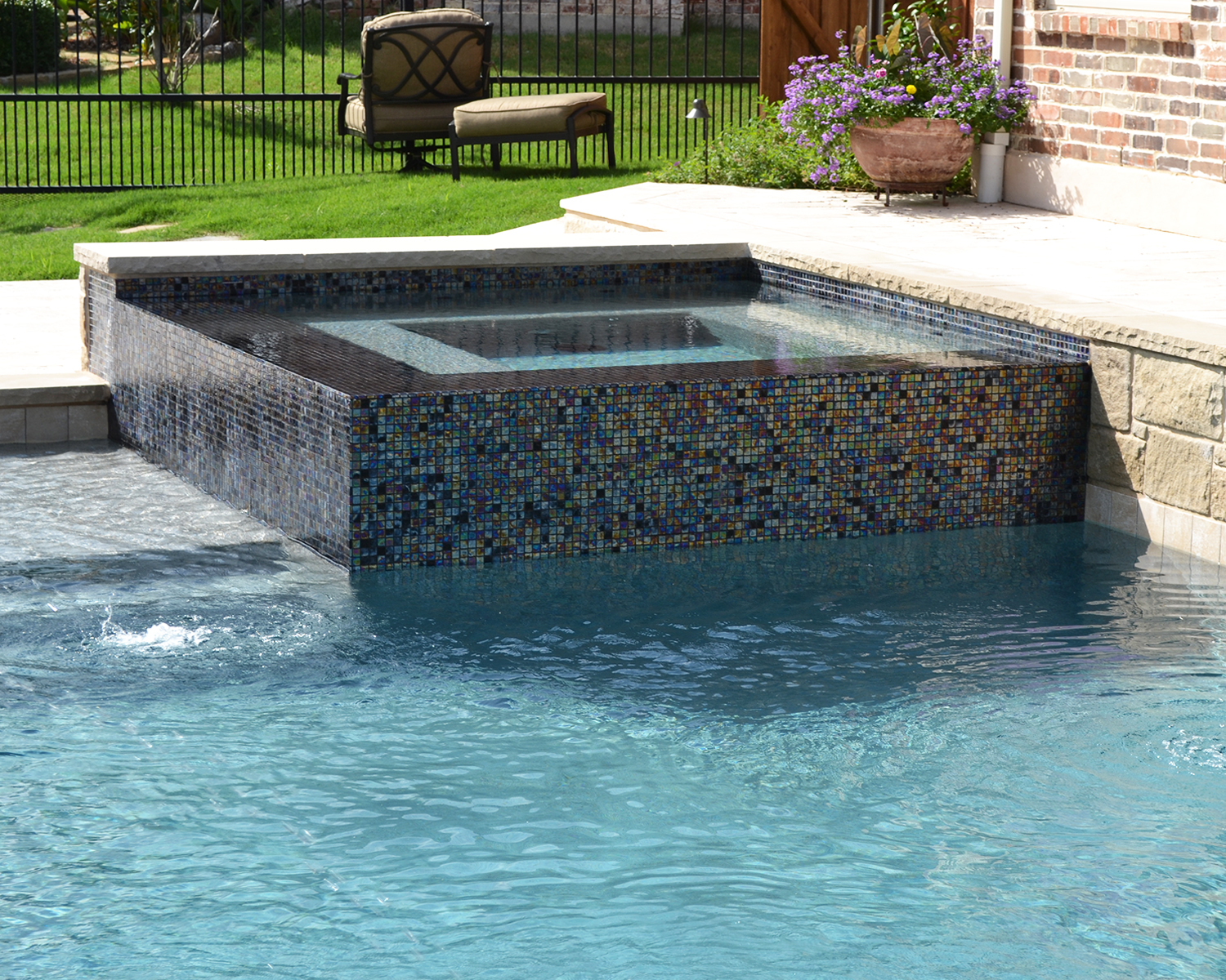 LakePointePools-custom-features-spa.mosaic.jpg