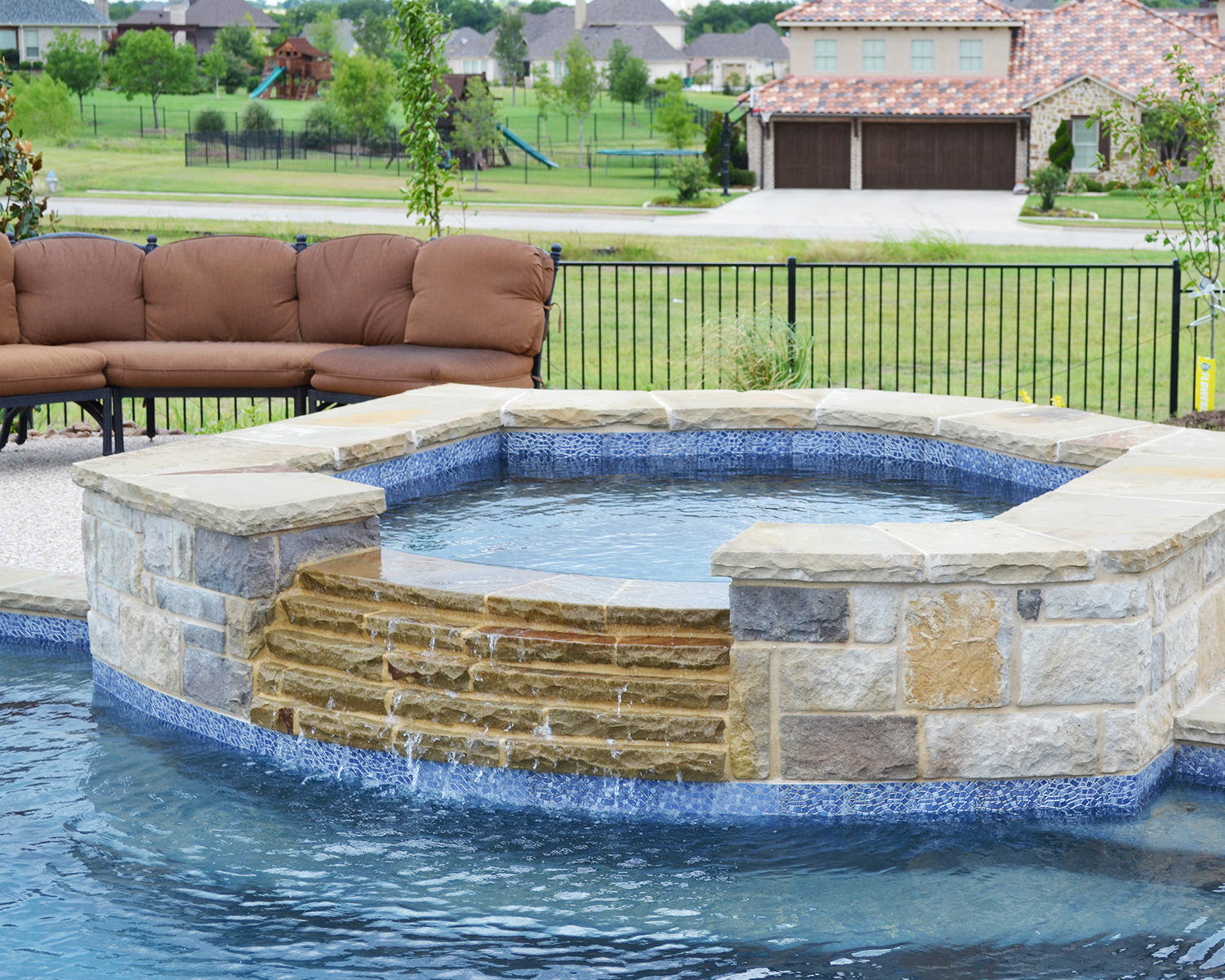 LakePointePools-custom-features-hot-tub.jpg