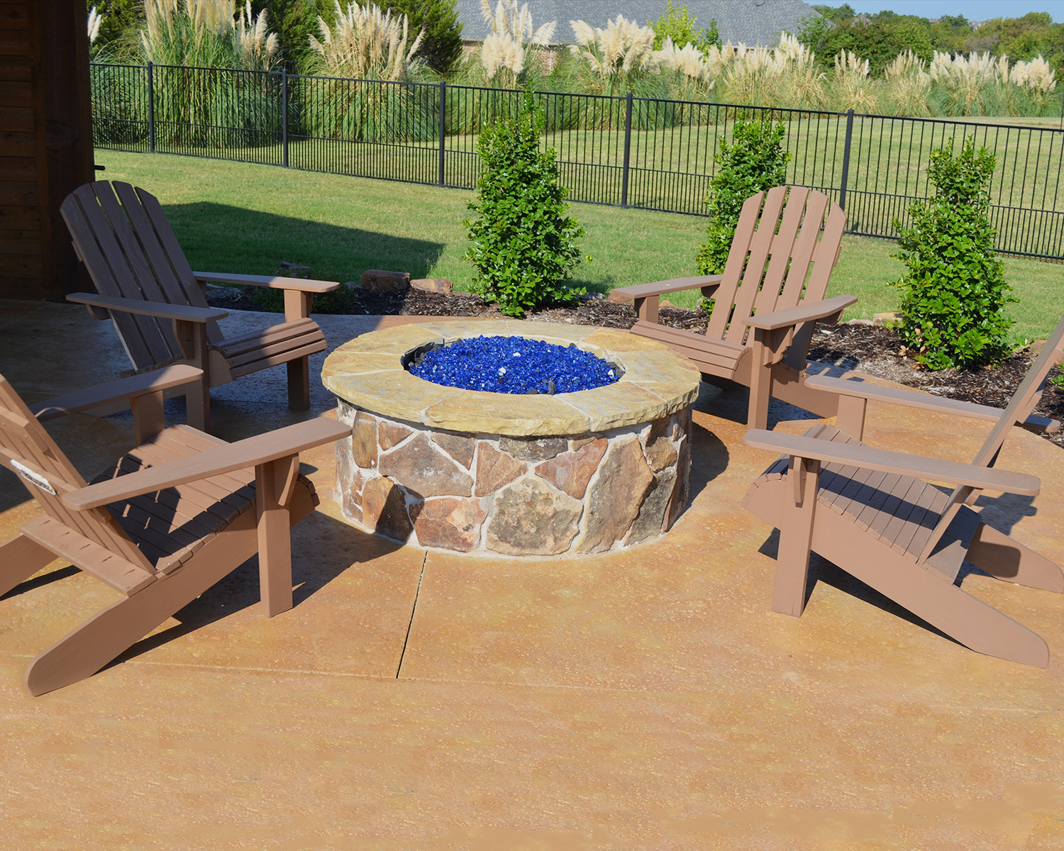 Custom-features-fire-pit2.jpg